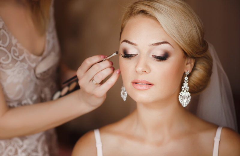 Why It Is Better To Hire The Bridal Makeup Artist